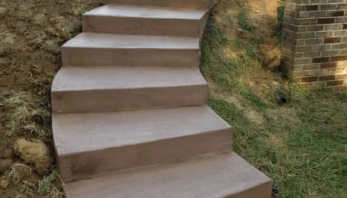 residential concrete sidewalk steps